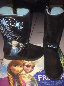 Jual cepat Sepatu boots Frozen disney