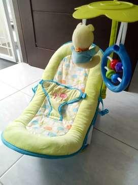 Bouncer bayi Baby Elle