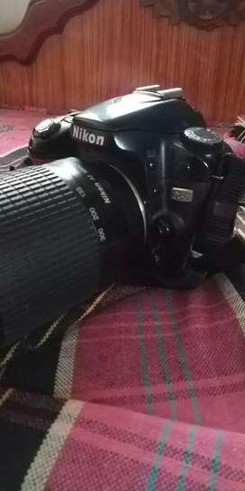 Nikon d80camera with lens