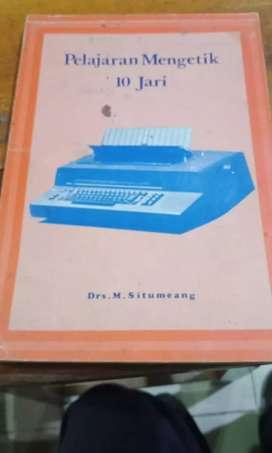 Buku lawas pelajaran mengetik