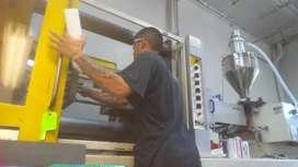 Cnc plastic injunction moulding operating work