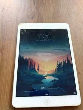 iPad Mini 1st Gen WiFi 16GB [free case]