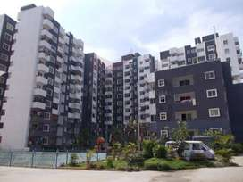 2 Bedroom flat for rent (available Imediately)