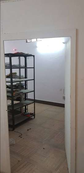 Vaishali 1200 sq. Ft Basement in Officers Campus Khatipura Tirha