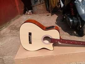 Gitar akustik elektrik baru