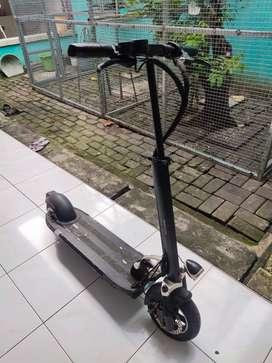 Scooter Listrik Minimotor Speedway 3 (skuter listrik) Elektrik TERBAIK
