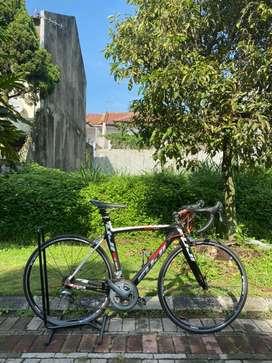 Jual Roadbike / Road Bike Fuji SST 1.0 Aero Full Carbon Super Mulus!