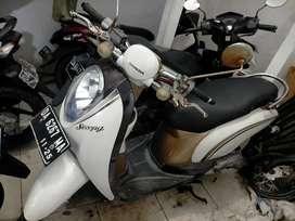 Scoopy th 2010 samping komplek Andika Sultan Adam hairi motor