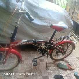 Sepeda lipat dewasa