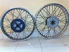 Spoke wheels for Royal Enfield 350 cc single disc