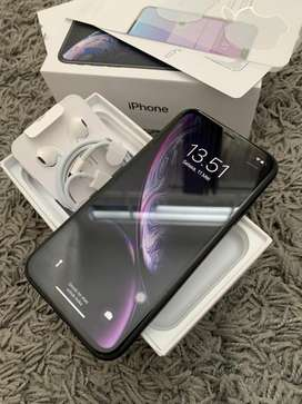 iPhone XR 64GB Grey