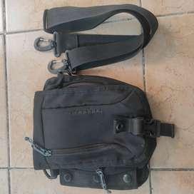 Sling bag tas selempang bodypack preloved