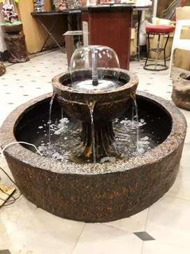 Center water fountain
