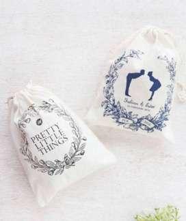 Pouch serut custom, souvenir pernikahan murah