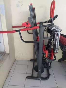 Dijual cepat treadmill 6 fungsi mash mulus anti gores