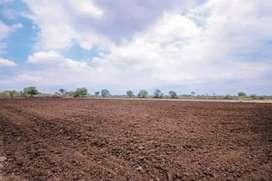 Jagdalpur se 25 km chigpal main general 10 acer jamin bechna h price