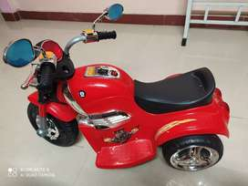 Hlx-Nmc Rechargeable Battery operated cruiser bike
