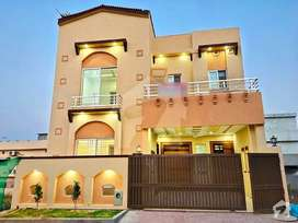 7 Marla Very Stylish House for sale in Bahria Town Phase 8 Safari Vell