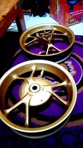 Velg Aerox 155 warna Gold