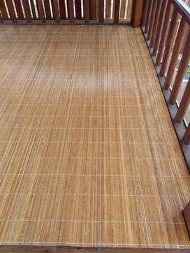 Tirai bambu & kayu