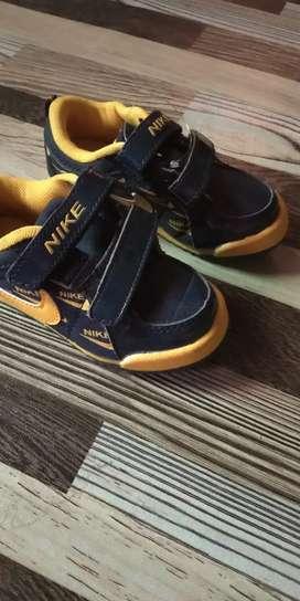 Sepatu anak size 24,merk nike kondisi baru