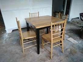 Meja makan tifani/meja caffe moderen, bahan kayu jati terbaik