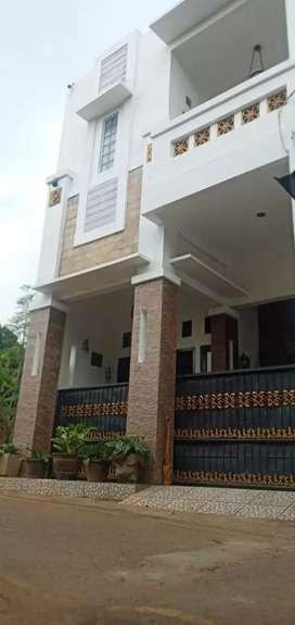 Di jual rumah 3 Lantai di Pamulang Barat, Tangerang Selatan