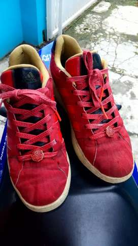 Sepatu adidas second murah