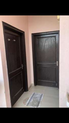 2 room set available for rent