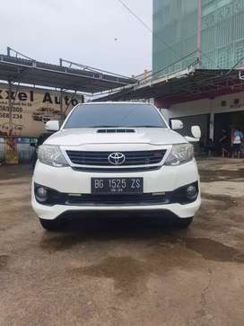 Toyota Fortuner 2.5 G 4×2 A/T Tahun 2013 Macan