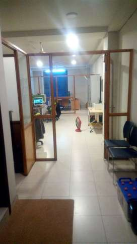 670 sqft office available for RENT main boulevard road gulberg lahore
