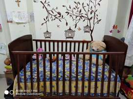 Mom&Me Baby Cot