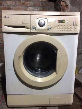 LG 7kg fully automatic front load washing machine