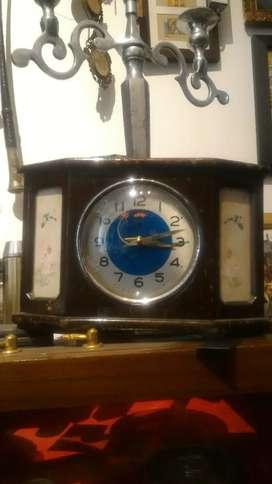Jam Weker Antik Kayu (jarum jam bentuk pesawat)