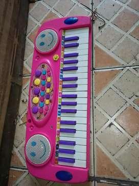 Ayo yg ingin music piano slhkn cpt kond normal.mls hrg murah sj deh