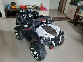 Used Battery Operated Ride on Jeep for Kids 4X4 Big Wheel
