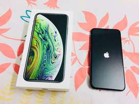 iPhone Xs Space Grey Mint Condition       Tags 1 plus X 11 Pro 12 Max