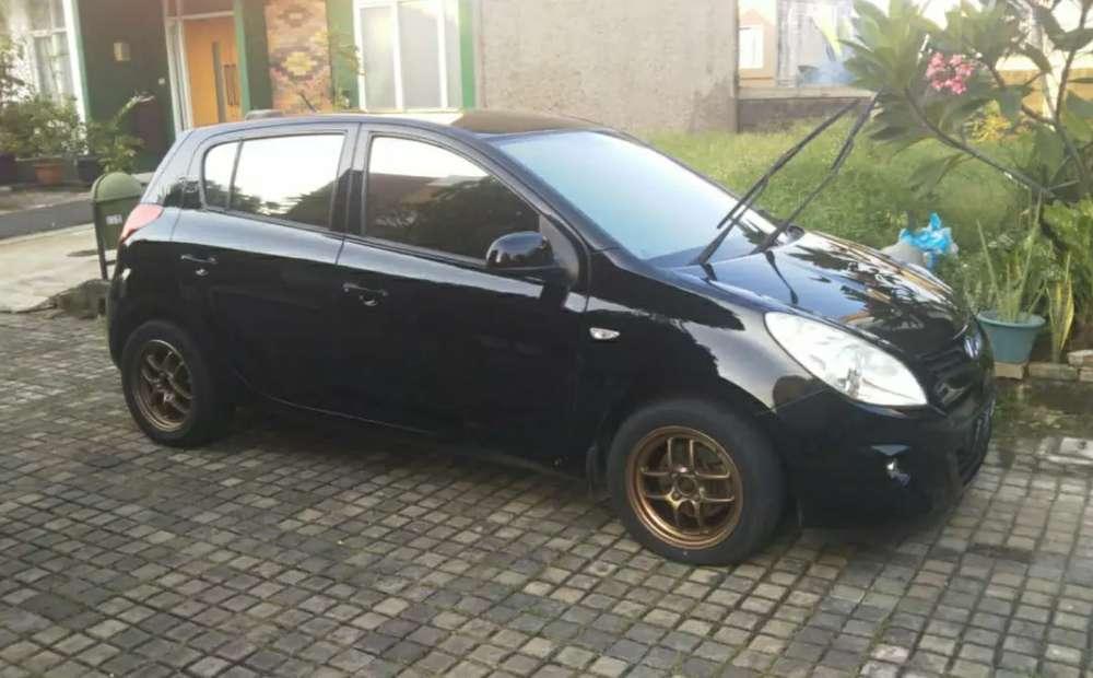 Hyundai i20 GL A/T no sunroof  Depok Kota #3