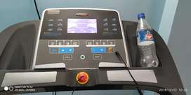 Automatic Treadmill, Showroom Condition 1 year old Auto Incline 120 KG