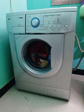 LG TROMM 5.5kg washing machine very good working condition
