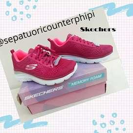 Sepatu wanita Skechers ori size 36