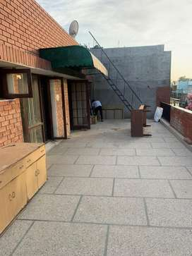 3 bhk 2nd floor for rent in sector 43-b 13 marla independent house