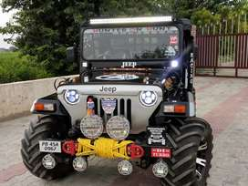 Modified open jeep in Hunter style