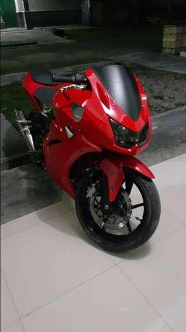 Jual Ninja 250 (Kawasaki) mesin oke.
