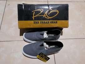 Sepatu raingel the urban gear uk.40