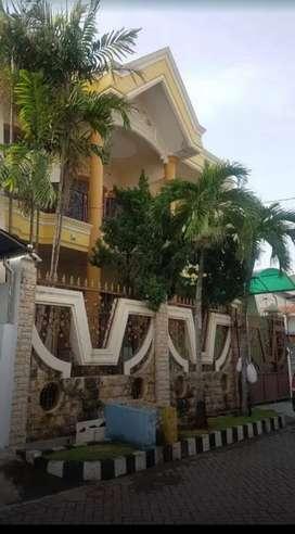 Rumah di Darmo Permai Selatan Surabaya