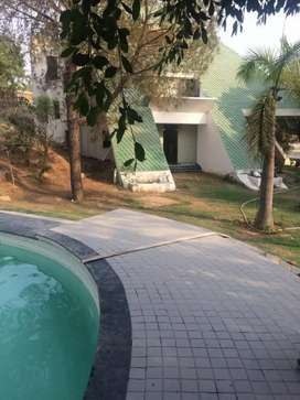 Beautiful Farm house ( 1 acre ) for immediate sale in Chattarpur