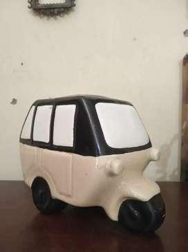Pajangan Keramik Model Bajaj