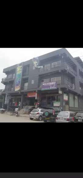 studio 300 sq feet . large parking available . Near mosque nd madrasa
