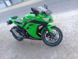 kawasaki ninja 250 cc*